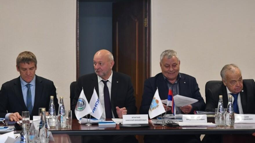 На аккумуляторном производстве «АКОМ» прошел Совет работодателей Самарской области