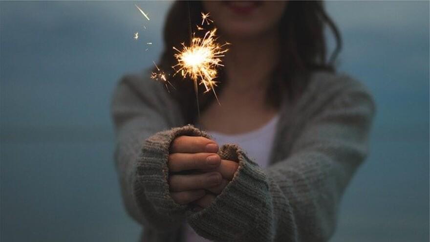 Новогодние обычаи и приметы: как привлечь удачу в 2021 году