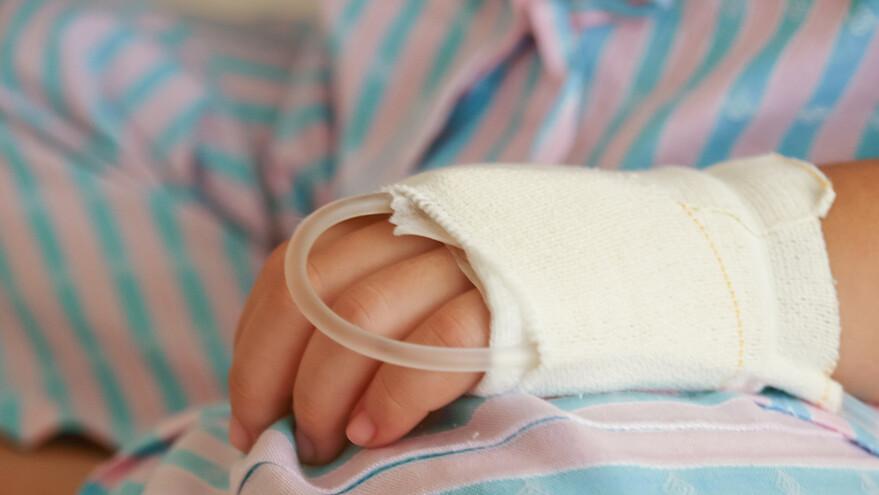 В Богатовском районе ребенок пострадал от упавшей на него ветки