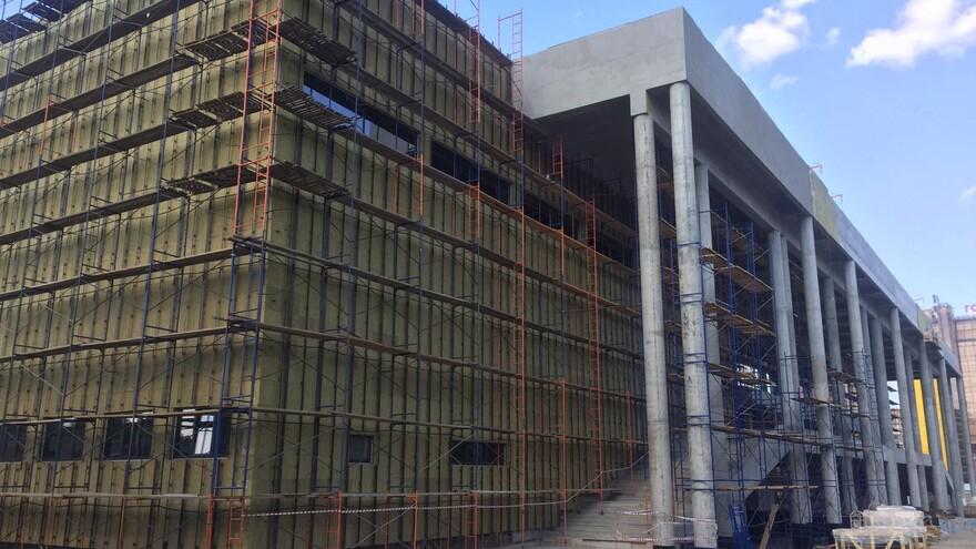 Новый ледовый дворец спорта в Самаре подключили к электричеству