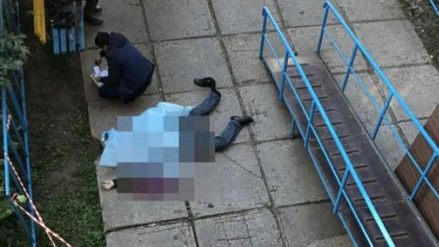В Тольятти мужчина выпал с 16 этажа