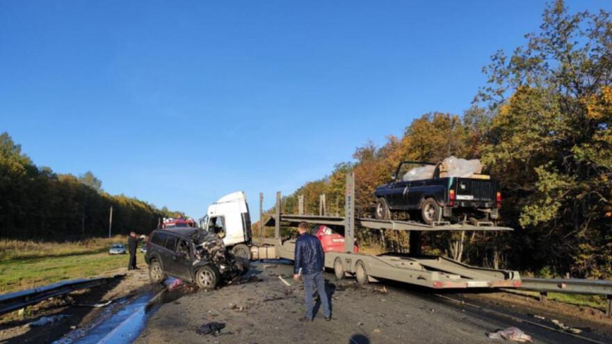 На трассе М-5 в Самарской области в аварии погибли два человека