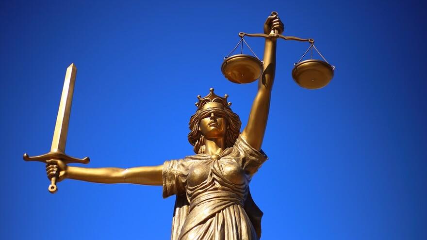В Самаре полицейский пойдет под суд за мошенничество