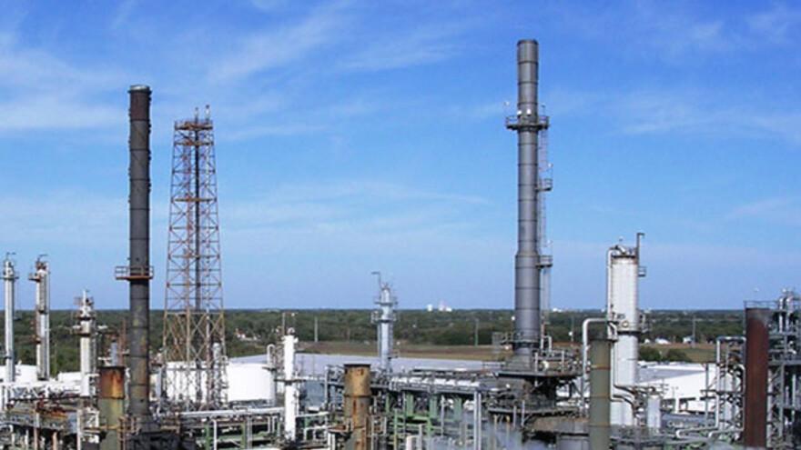 Накануне профессионального праздника лидеров химического производства поздравит глава региона