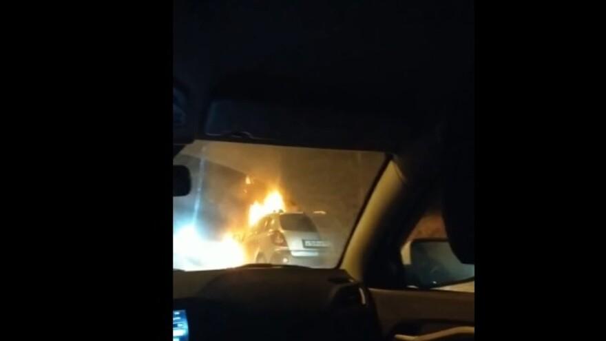 Под Тольятти горит автомобиль