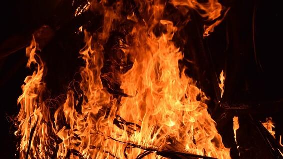 Беспокойная ночь в Сызрани: подробности двух крупных пожаров