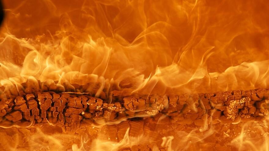 В Самаре из-за пожара в автосервисе эвакуировано 17 человек