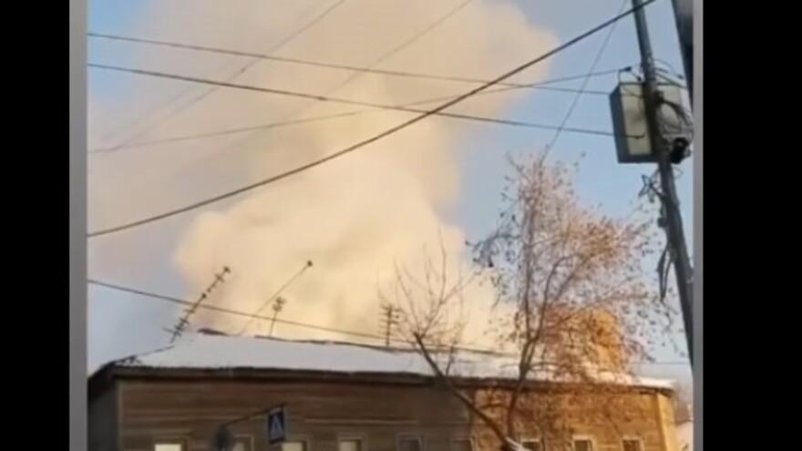 В Самаре горит двухэтажный дом на Вилоновской