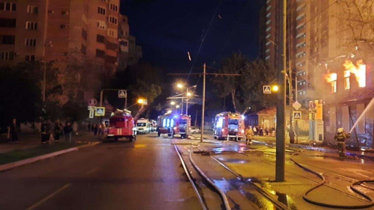 В Самаре ночью сгорели сразу три многоквартирных дома
