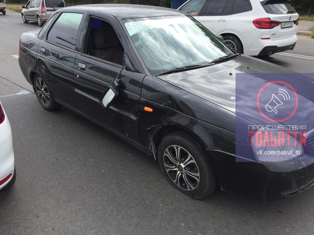 Видео: в Тольятти велосипедист попал под колеса легковушки