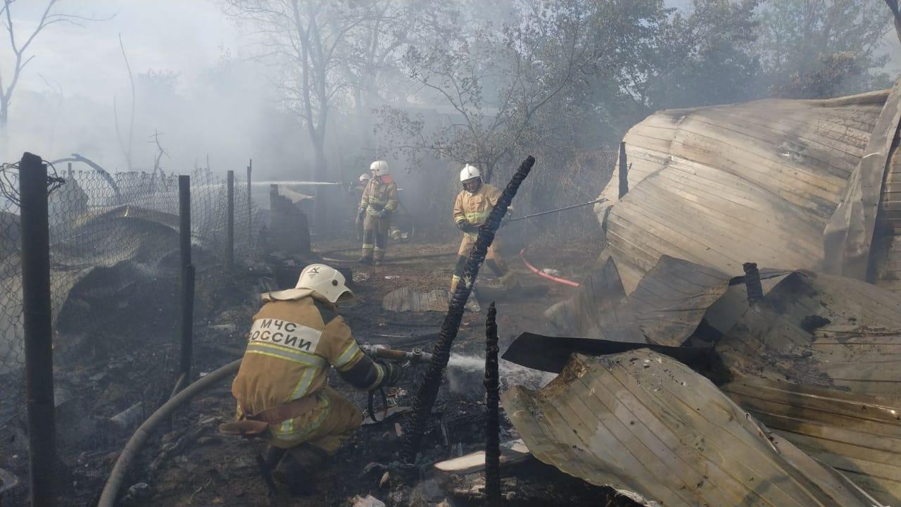 В Самаре на острове Поджабном сгорел туристический городок