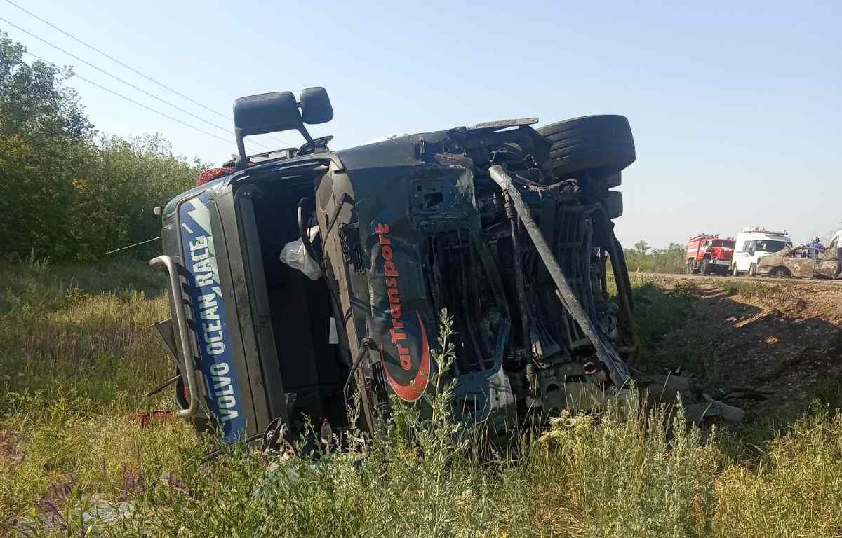 Тела вырезали из сгоревшей «Тойоты». Новые подробности и кадры жуткого ДТП в Самарской области