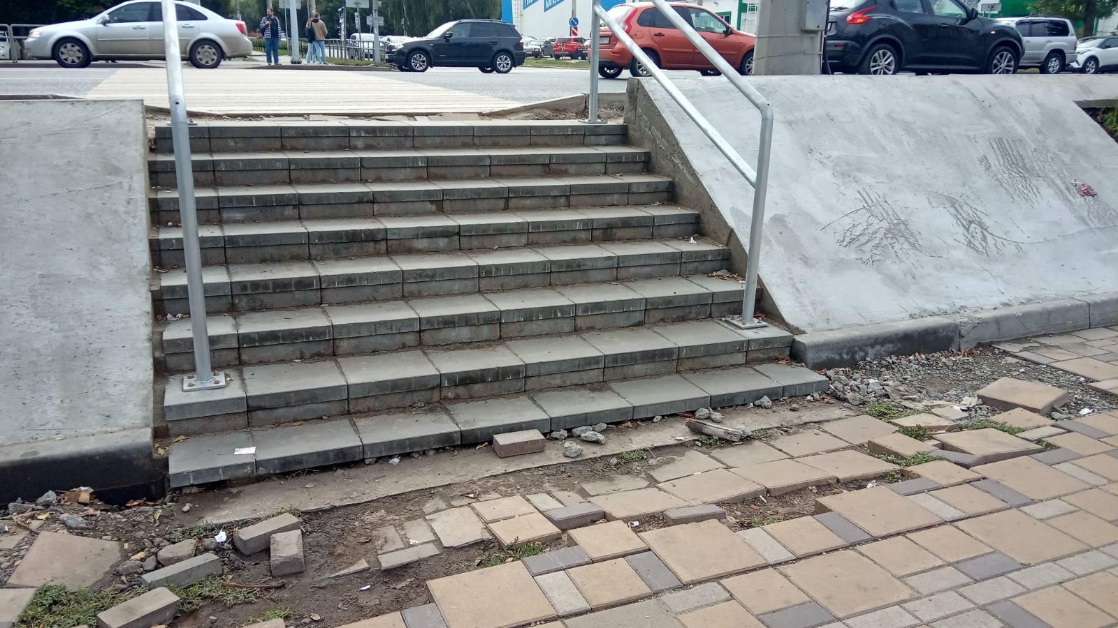 Подрядчика не видно. Ремонт остановки «Самарский университет» на Московском шоссе озадачил самарцев