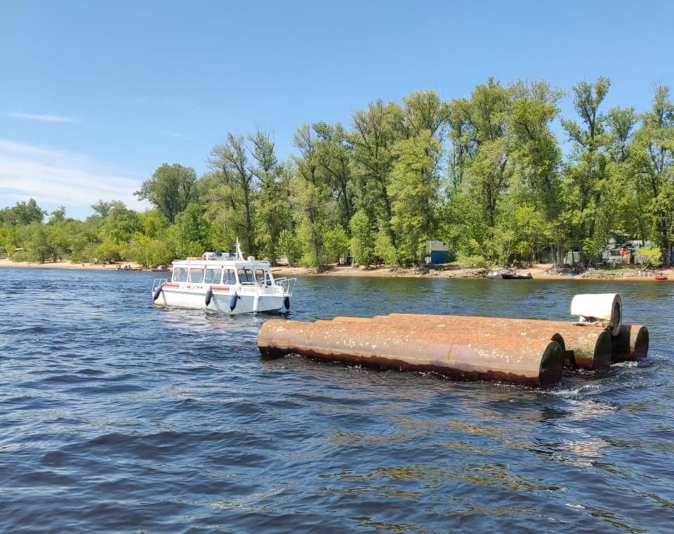 В Самаре на Волге в районе 6 причала затонул теплоход «Барракуда»