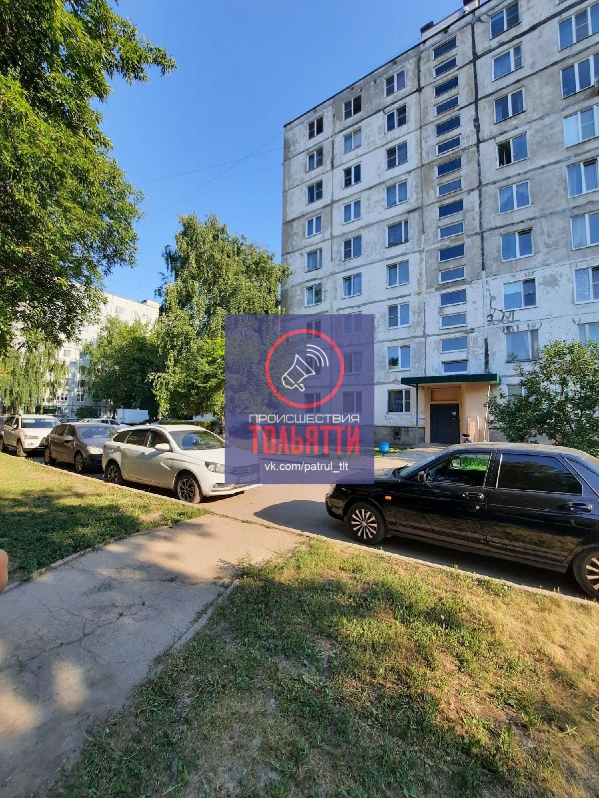 В Тольятти из окна с 9 этажа выпал мужчина
