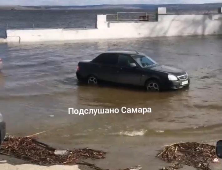 Волга превратилась в море: Жигулевская ГЭС увеличила сброс воды
