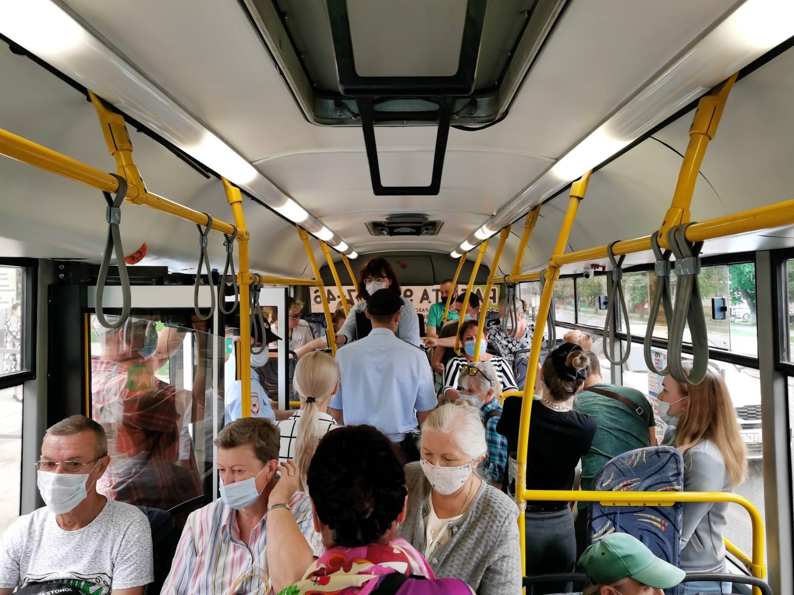 В Самаре за неделю из общественного транспорта высадили 124 пассажира без масок