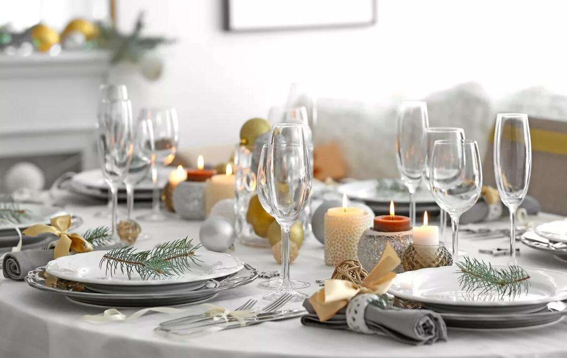 Как украсить новогодний стол 2021