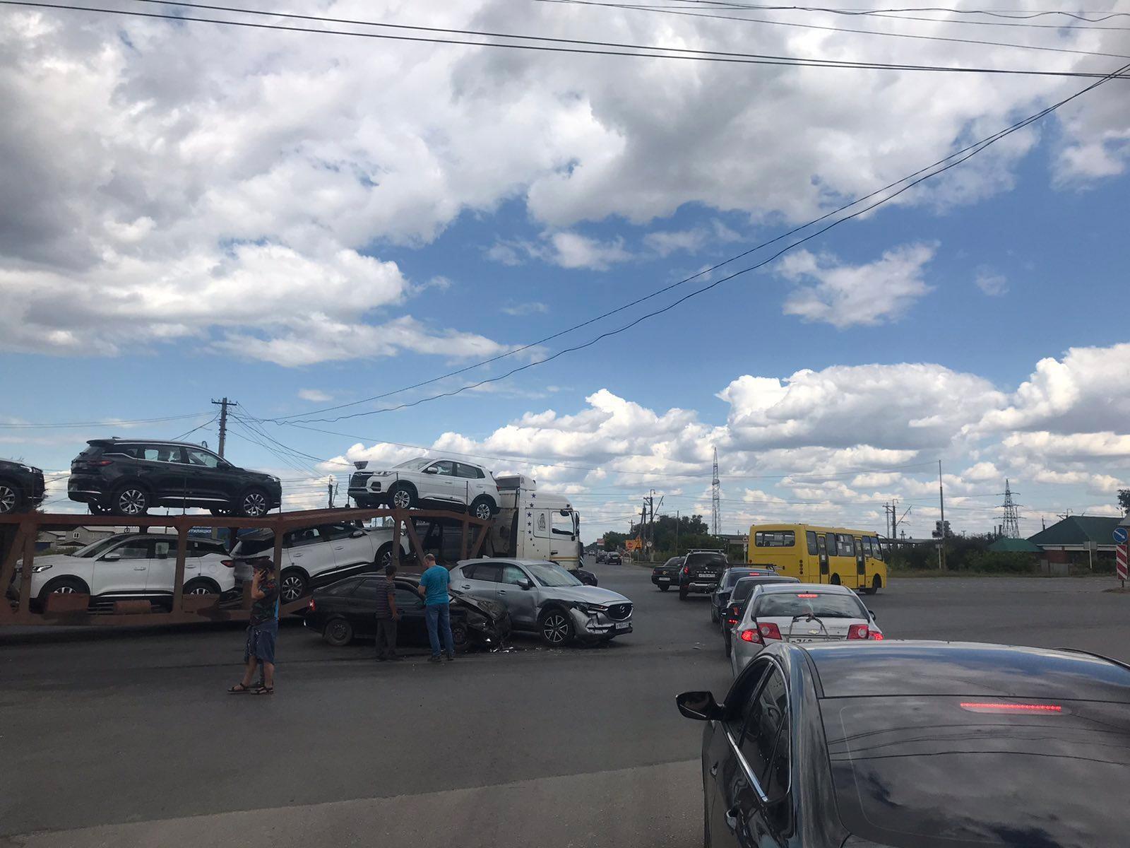 В Тольятти 2 авто не поделили дорогу на Обводном шоссе