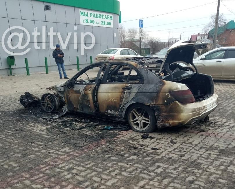 «Вой сигнализации и оцепенение»: в Самарской области нахлынула пожарная напасть на автомобили