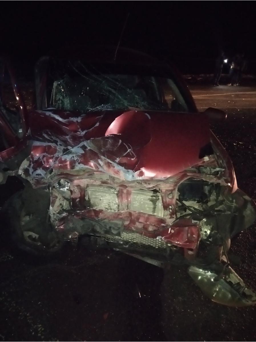 Помеха справа: в Нефтегорском районе столкнулись грузовой автомобиль и легковушка, есть пострадавшие