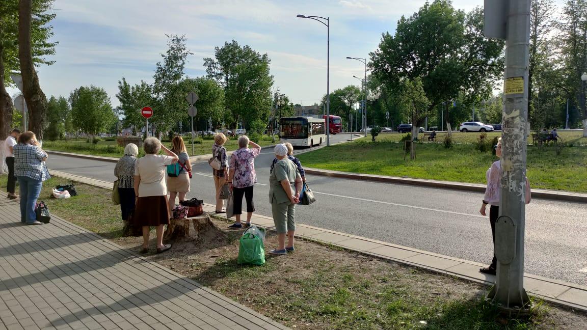 Провал на Московском шоссе возмутил самарцев