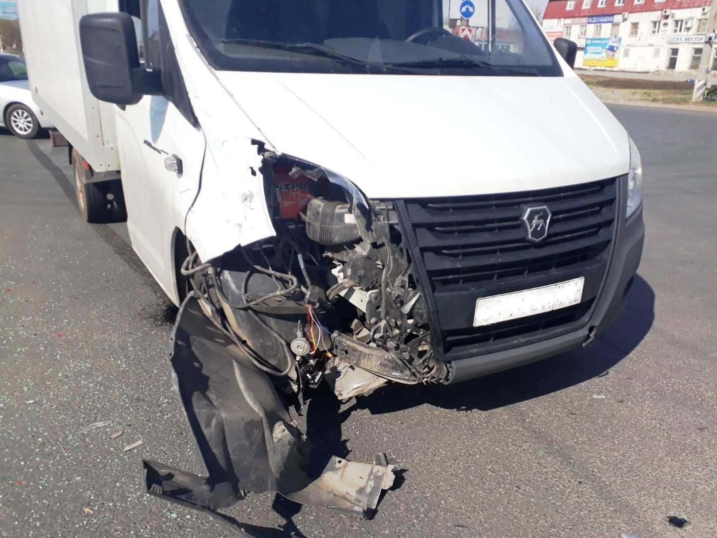 В Тольятти в столкновении «Калины» и «Газели» пострадал 2-летний мальчик