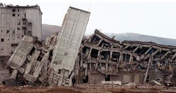 Русские военные вАрмении почтили память жертв Спитакского землетрясения