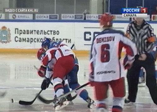 Хоккейная «Лада» вжесткой схватке уступила победу московскому ЦСКА