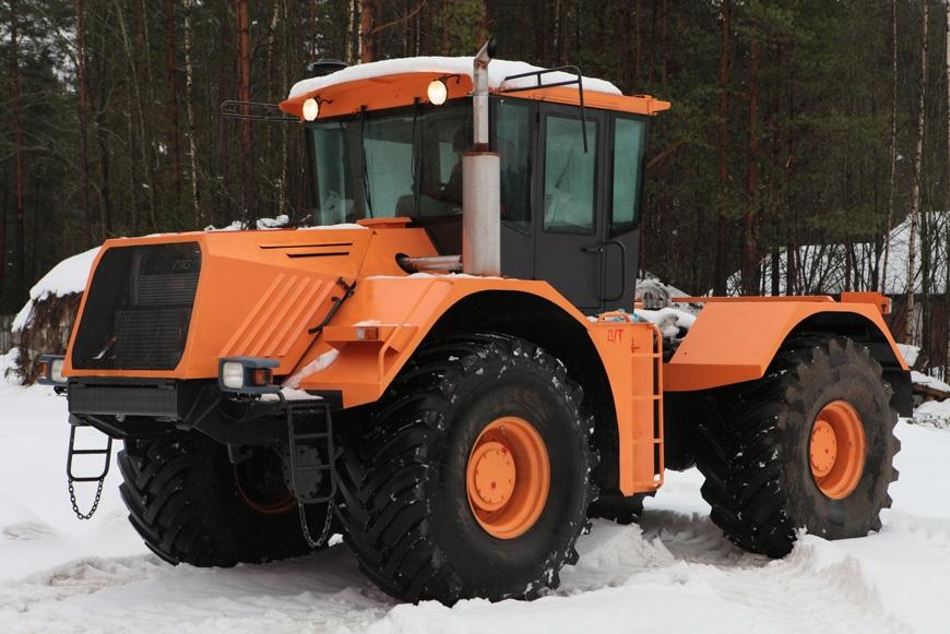 На российском заводе сошел с конвейера новейший трактор  К-704-4Р «Станислав»