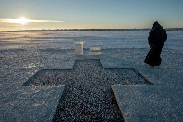 Из-за состояния льда на Волге крещенские купания могут быть отменены