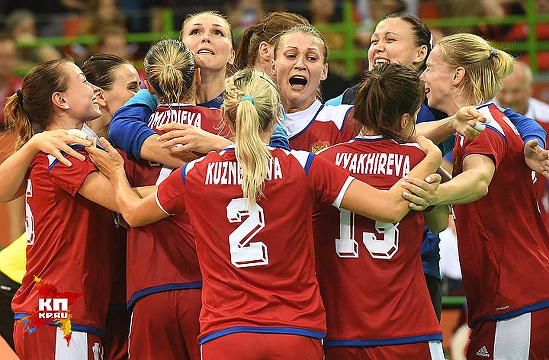 Женская сборная РФ погандболу отдала голос навыборах вТольятти
